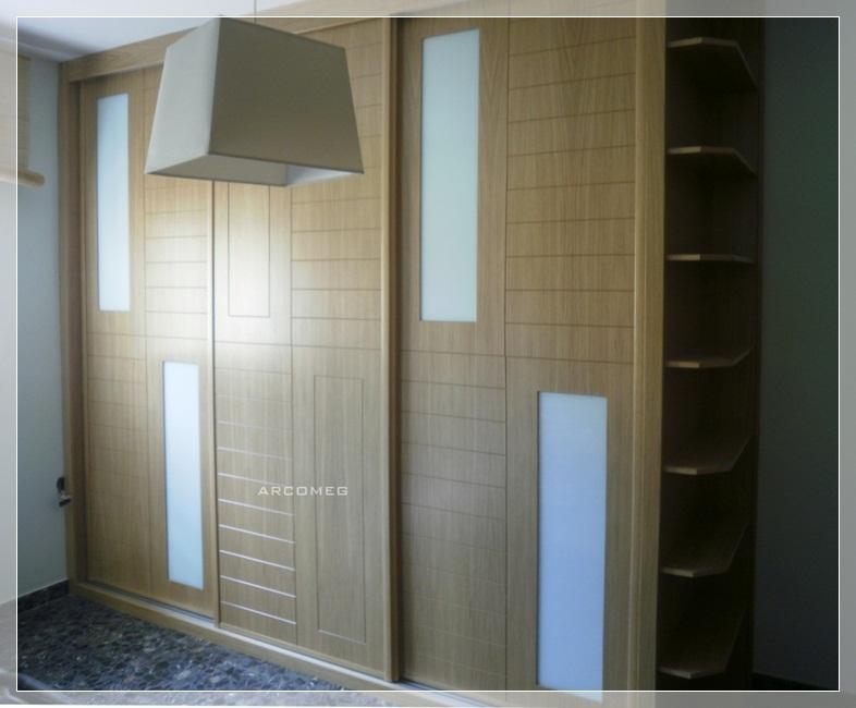 Armarios empotrados muebles andaluc a - Estanterias con puertas correderas ...