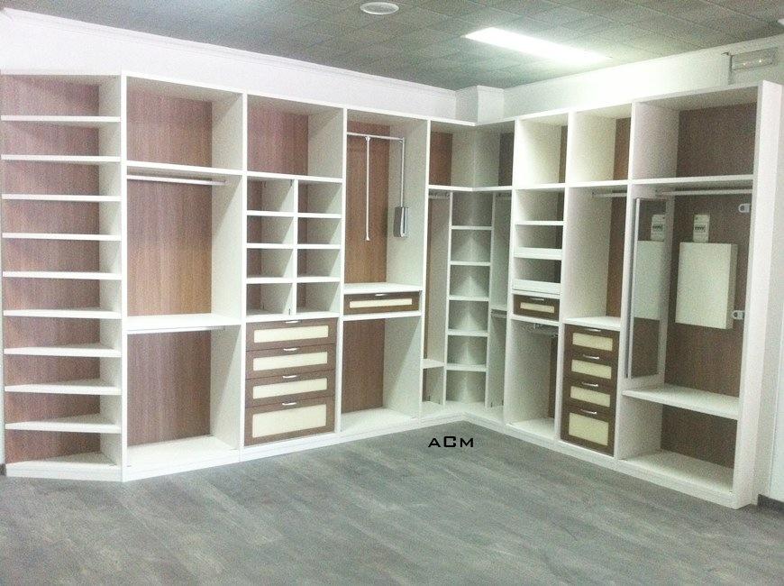 Interiores de armarios en esquina for Cajoneras para interior de armarios